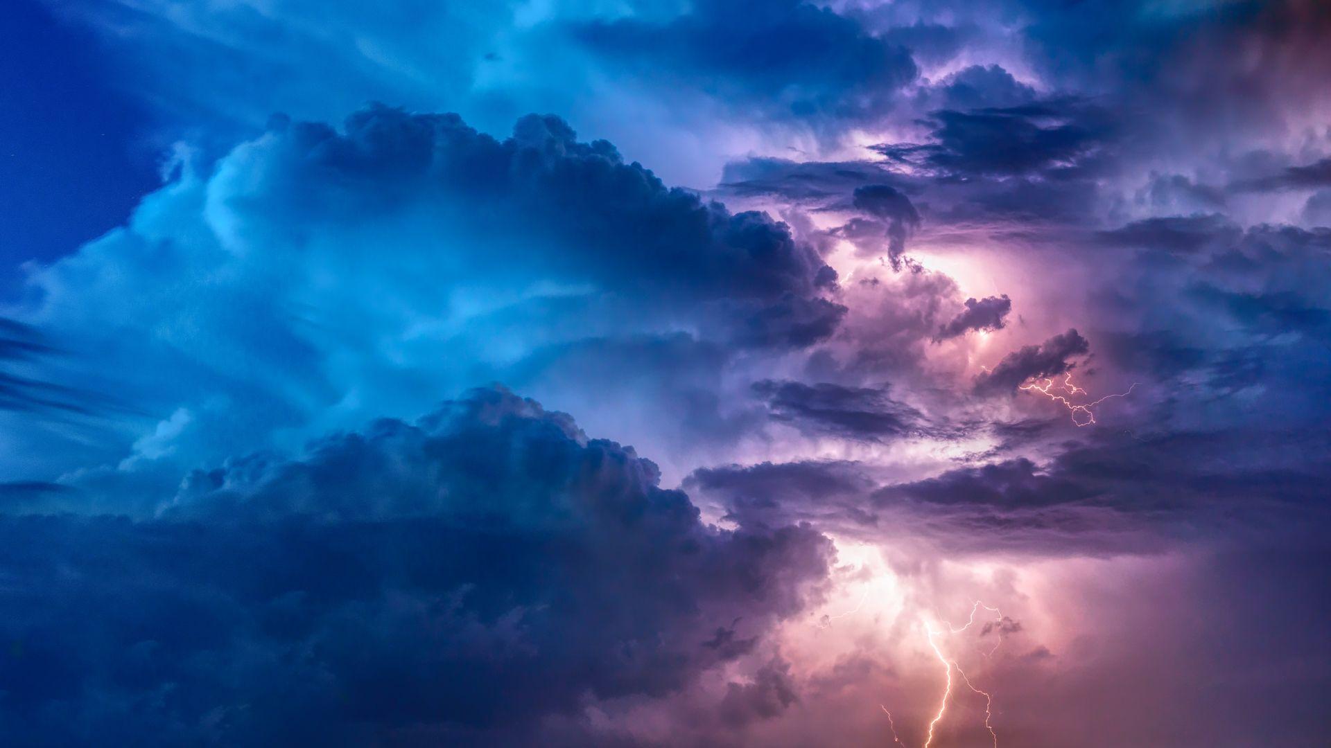 Przed nami wietrzny i burzowy wtorek