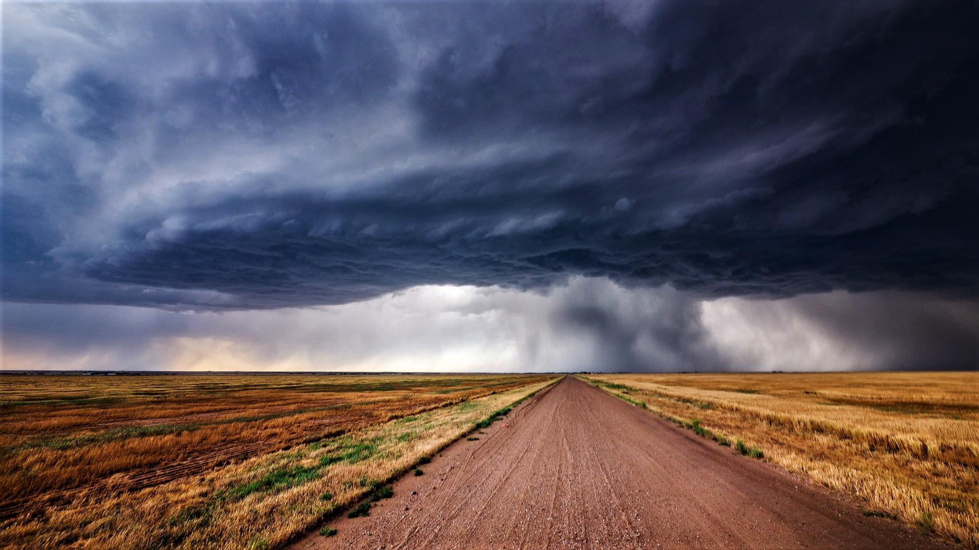 Pogoda na weekend. Będzie ciepło, miejscami opady deszczu i burze